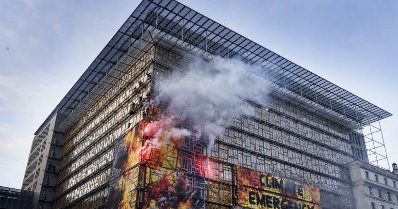El Tribunal Constitucional Federal de Alemania declara parcialmente inconstitucional la ley del clima y refuerza la protección de los derechos fundamentales de la juventud – ES
