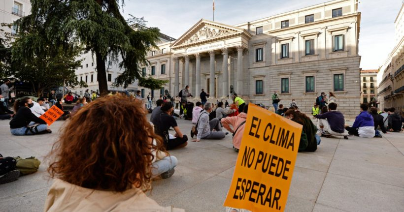 Greenpeace recuerda al Gobierno que la ley de cambio climático aprobada hoy no responde a la emergencia climática – ES