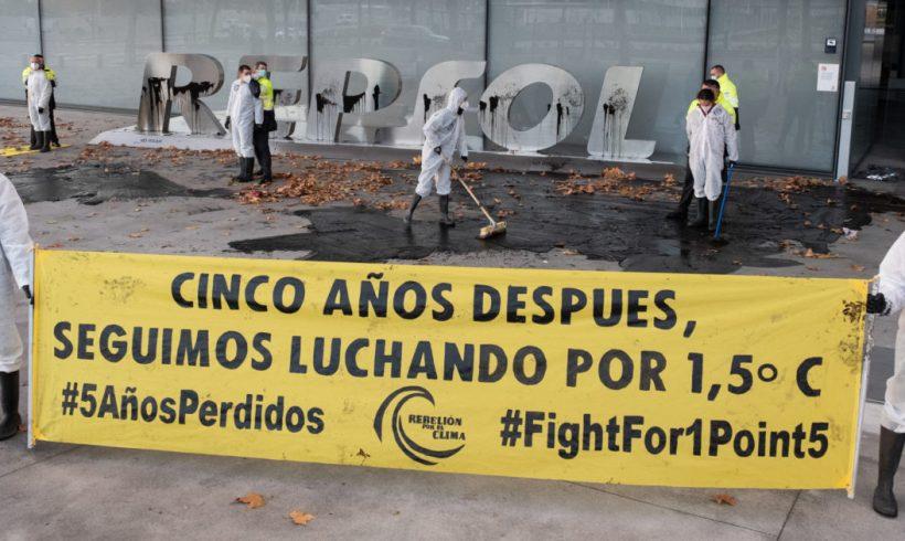Mañana comienza el juicio contra nueve activistas del clima que denunciaron la negligencia climática de Repsol – ES