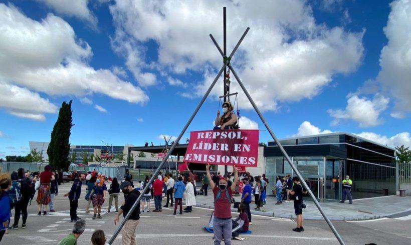 🔴🔴 ACCIÓN 🔴🔴 Bloqueamos una de las sedes de Repsol en Madrid – ES