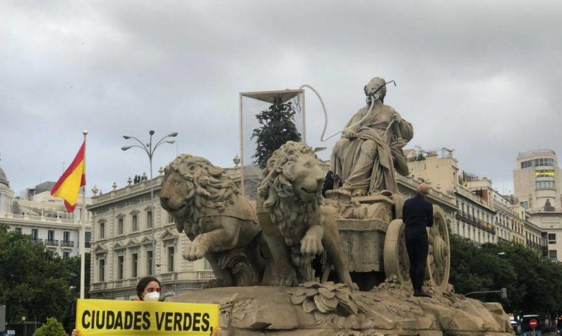 """Greenpeace le pone """"oxígeno"""" a la Cibeles para exigir ciudades más verdes – ES"""